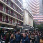Feria agrícola celebrada entre las calles de Berastegui y Ledesma de Bilbao.